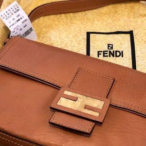 Fendi Tan leather baguette 🥖